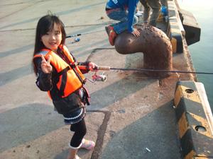 柏崎港で釣り
