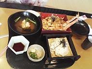 甲羅で昼食2